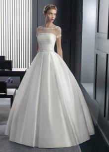 Свадебное атласное платье от Роса Клара