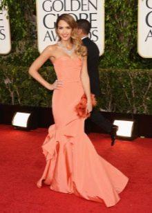 Вечернее платье от Oscar de la Renta на красной дорожке