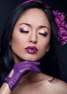 Макияж с фиолетовыми тенями