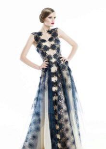 Гипюровое вечернее платье простого кроя