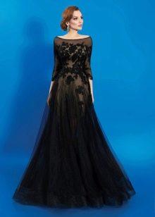 Вечернее платье с гипюровым верхом