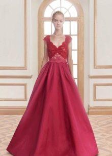 Вечернее платье с гипюровым верхом от Рим Акры