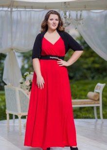 Вечернее платье для мамы невесты с разрезом