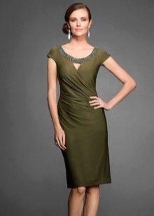 Зеленое вечернее платье для мамы жениха
