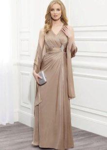 Вечернее платье для мамы жениха с палантином