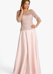 Вечернее платье для мамы жениха с ажурными рукавами