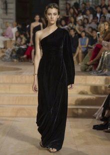 вечернее платье на одно плечо из плотной ткани