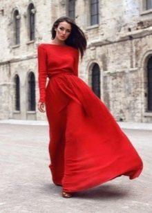 Красное вечернее платье с рукавами