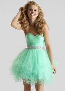 Короткое зелено-мятное платье