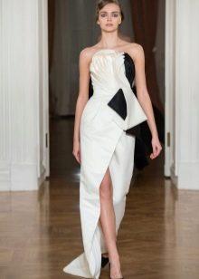 Белое вечернее платье с черными вставками