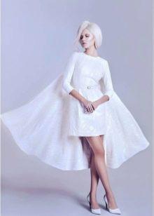 Закрытое вечернее платье белое с рукавами