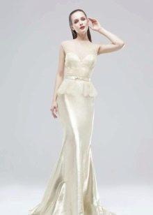 Вечернее платье перламутрового цвета
