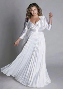 Белое вечернее платье для полных с плиссе