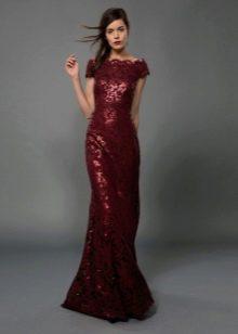 Бордовое платье-футляр вечернее