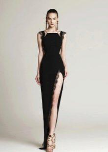 Вечернее платье с глубоким разрезом