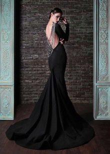 Черное вечернее платье с открытой спиной