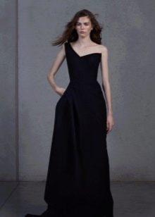 Черное вечернее платье с одной бретелью