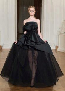 Вечернее атласное платье многоярусное
