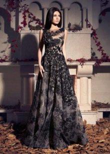 Черное кружевное платье пышное