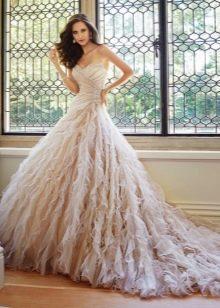 Свадебное платье пастельного оттенка