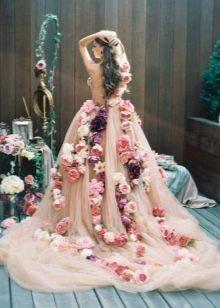 Платье свадебное цветное с цветами