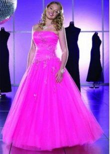 Свадебное платье ярко малинового цвета