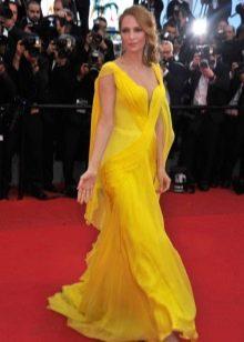 Желтое вечернее платье от Армани