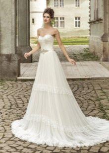 Свадебное платье А-силуэта с кружевом