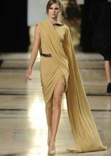 Короткое вечернее платье в греческом стиле с рукавом