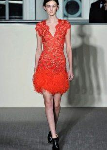 Красное короткое кружевное платье вечернее