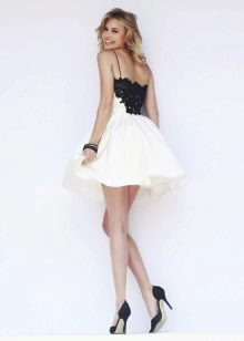 черно-белое короткое вечернее платье