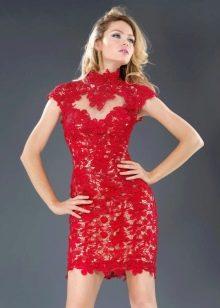 красное короткое вечернее платье кружевное