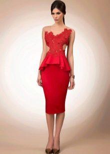 Платье футляр короткое красное кружевное