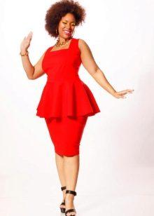 Красное вечернее платье для полных с баской