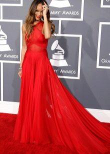 Красное вечернее платье - Рианна