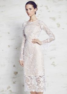 Кружевное платье миди прямое