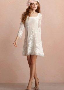 Свадебное прямое платье в стиле ретро с кружевом короткое