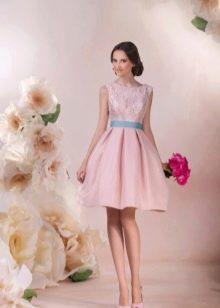 Свадебное платье с розовым кружевом
