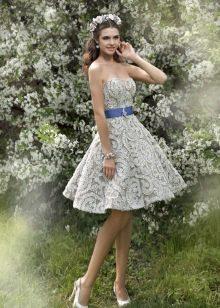Короткое пышное кружевное платье