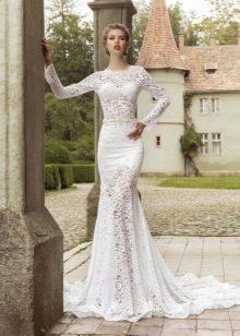 Свадебное платье кружевное со шлейфом