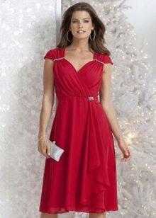 красное короткое нарядное вечернее платье большого размера