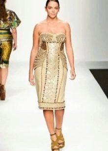 Нарядное платье-футляр вечернее с золотом