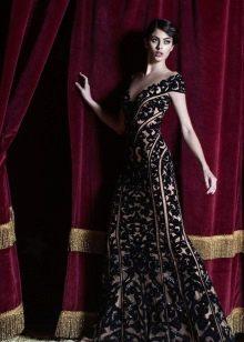 Кружевное платье от Зухаира Мурада