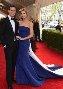 Вечернее платье синее со шлейфом