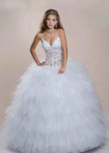 Очень пышное свадебное платье с корсетом
