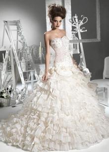 Свадебное платье в стиле принцесса с корсетом