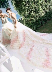 Свадебное бело-розовое платье Каролины
