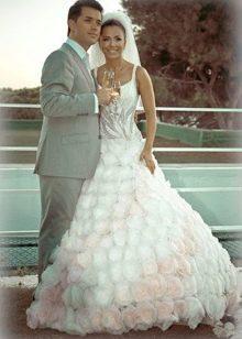 Свадебное бело-розовое платье Ани лорак