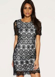 Короткое платье с рукавами крючком с подиума