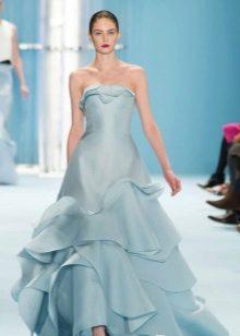 Вечернее платье с многослойной юбкой